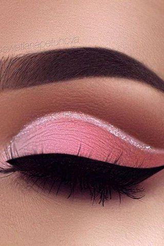 12 Photos of Peach Eyeshadow Looks for a Fresh Spring Style