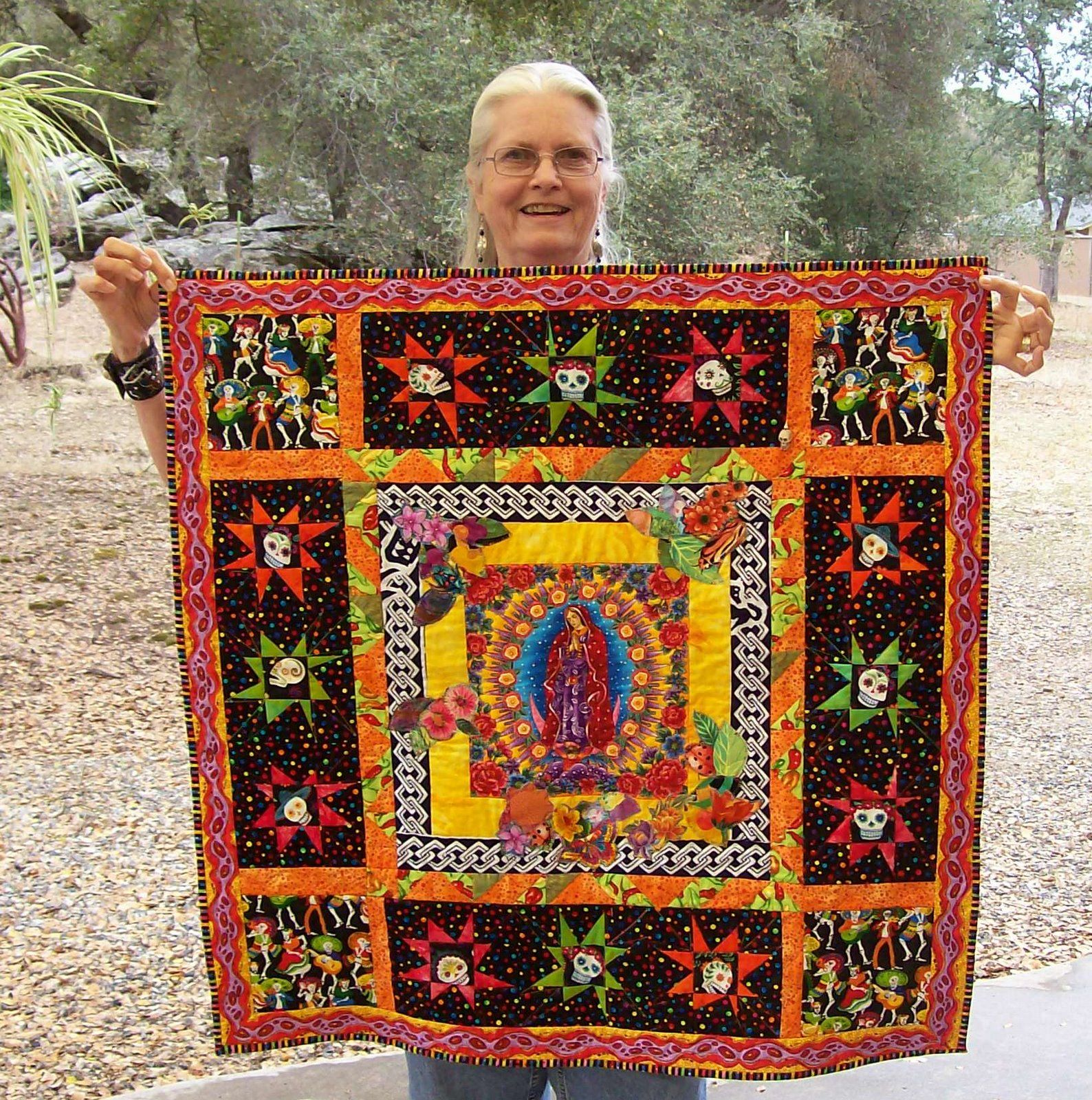 Vivian Helena Creates: Yoyo Challenge, Day of the Dead Quilt ... : day of the dead quilt pattern - Adamdwight.com