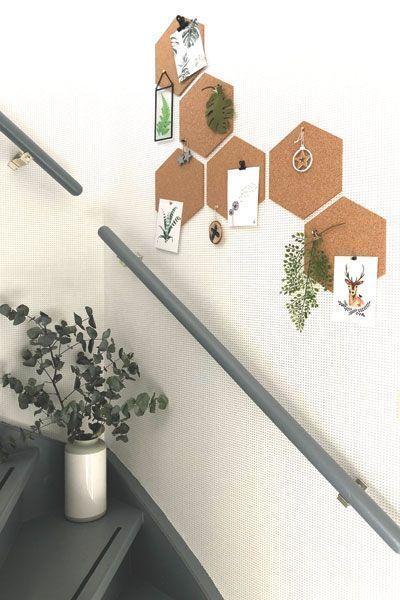 Schöne Pinnwandsechsecke im Treppenhaus. Gute Idee für den Flur. #wonenvoorjou… – Entertainment
