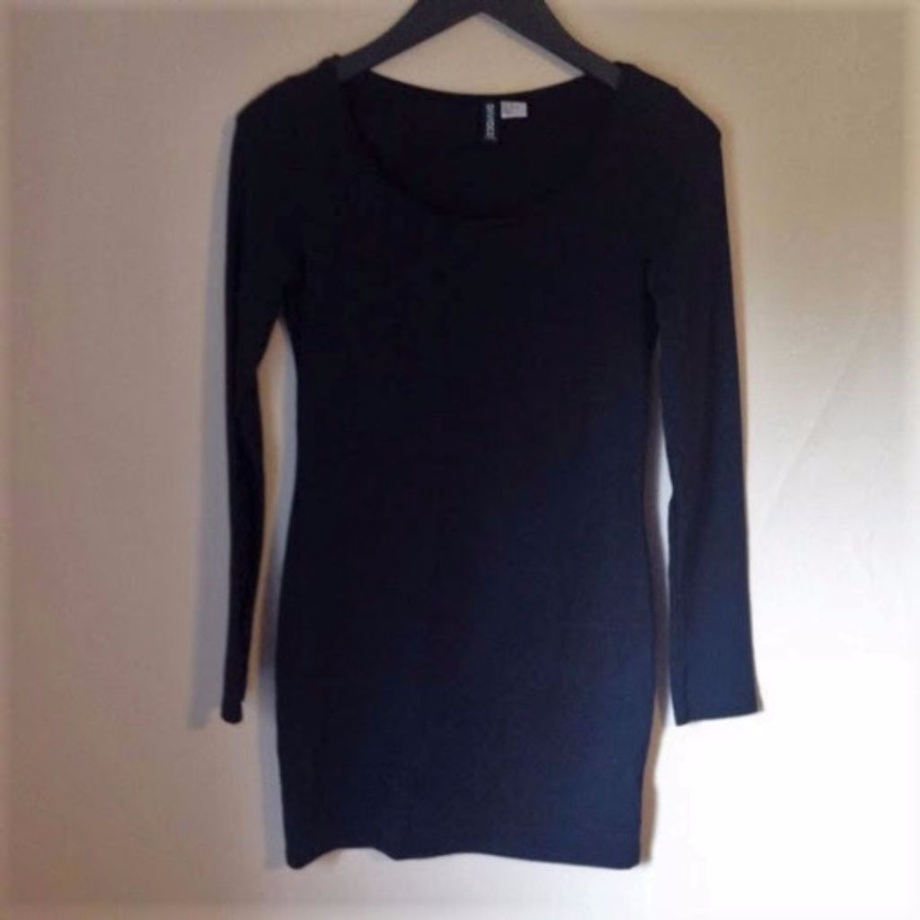 HuM Black Fitted Long Sleeve TShirt Dress Products