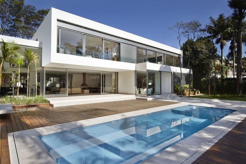 The Morumbi Residence is gorgeous modern home designed by Drucker
