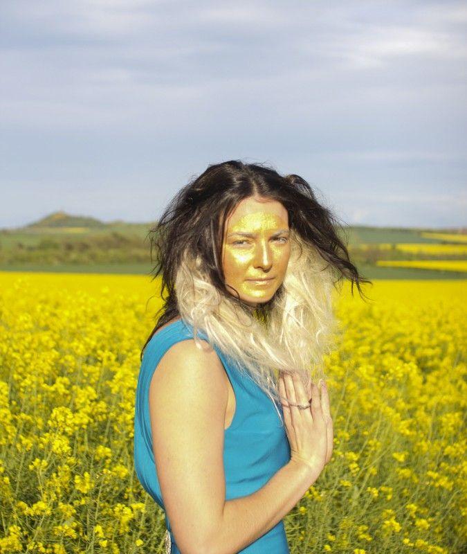 Fields of gold shoot Model: Keri-anne Payne Styling: Lynne McCrossan Hair and make-up: Molly Sheridan Photographs: Seb Singh Words: Ruth Walker