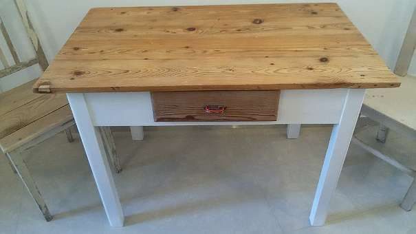 Schoner Alter Tisch Mit Schublade Shabby Chic Kuchentisch Esstisch Arbeitsflache Massiv Holz Weichholz 120 1140 Wien Esstisch Kuche Tisch Alte Tische