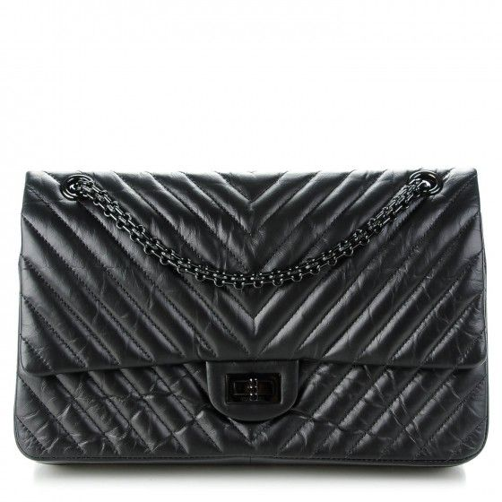 9480082af463 CHANEL Aged Calfskin Chevron 2.55 Reissue 226 So Black in 2019 ...