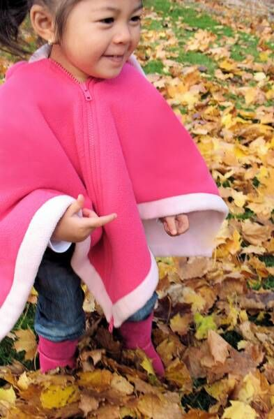 Car Seat Poncho Great Way To Keep Your Child Safe AND Warm