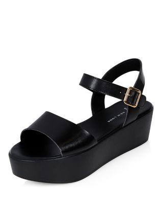 Wide Fit Black Flatform Sandals   New Look