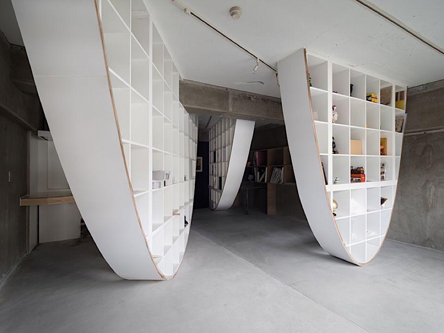 das eckige muss ins runde ikea kallax m bel neu gedacht der japanische designer takayoshi. Black Bedroom Furniture Sets. Home Design Ideas