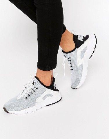low priced b6628 7f575 Nike Air Black   Grey Huarache Run Trainers at asos.com