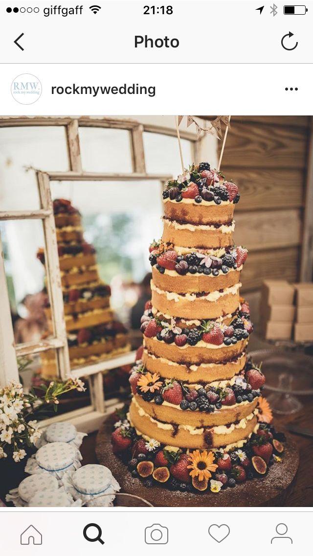 Amazing naked cake with figs