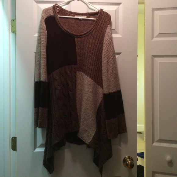 Brown sweater tunic Brown sweater tunic. Looks great with leggings and has a super cute bell sleeve design. Good conditions with no rips or holes. Sweaters