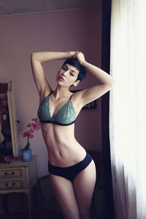 Theme.... express sexy short haired women 391 charming message