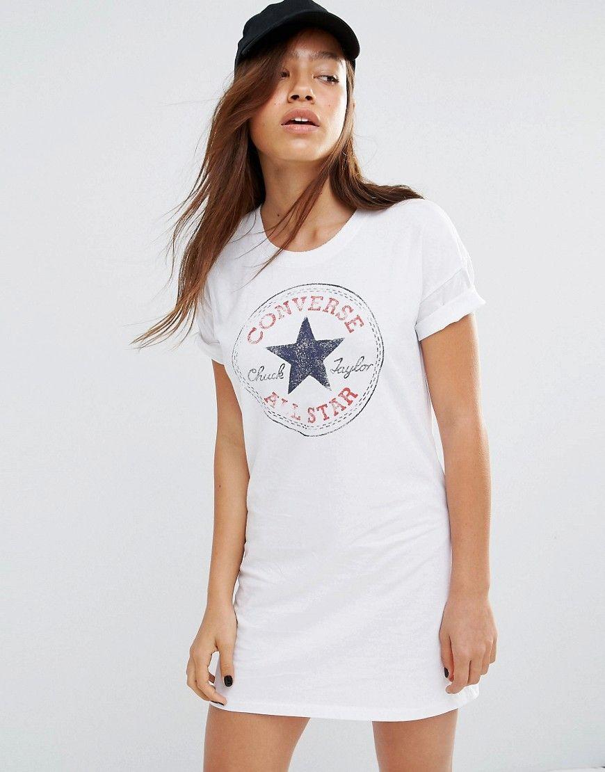 Vestido estilo camiseta blanco con logo clásico de Converse. Vestido