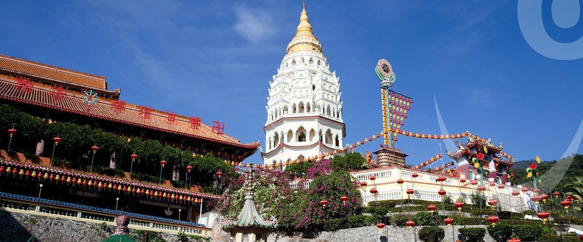 Penang is located in the island of Malaysia and is considered to be the best destination where one can spend their Ramadan break in peace.  http://bookbestrate.com/en/blog/top-5-must-visit-destinations-this-ramadan-53