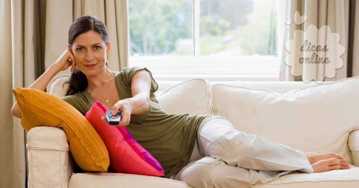 Fantástico! Você é mulher? Então descanse no sofá durante 10 minutos sempre que chegar a casa! Nós explicamos a razão! - # #Aliviarestresse #estresse #mulheres #sofá