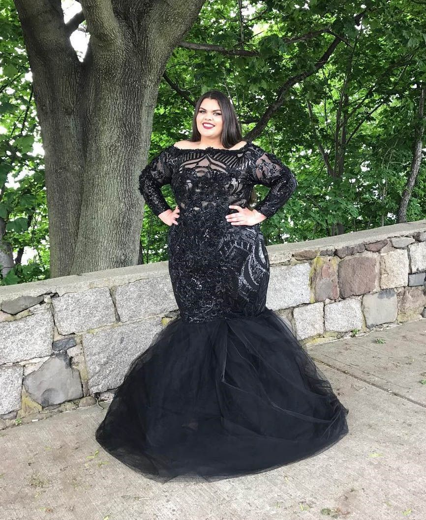Plus size black lace and tulle long sleeved gorgeous mermaid prom