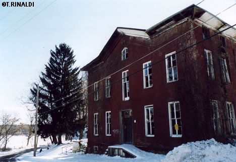 The South Side Hotel In Saugerties Ny Shortly Before Its Demolition Sloops And Steamers