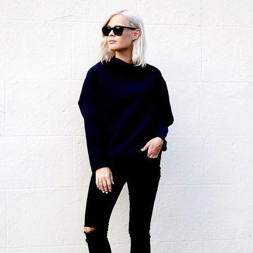 Image via We Heart It https://weheartit.com/entry/169972337/via/2659899 #blonde #chic #fashion #girl #hair #luxury #minimalism #minimalistic