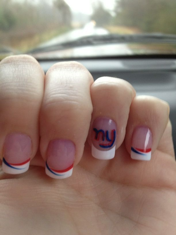 totally painting my nails like this for the super bowl! go giants ...