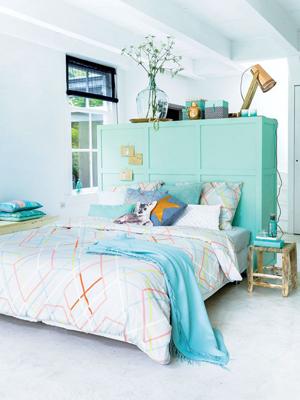 een kast als hoofdbord van je bed | 365 woonideeën - slaapkamer, Deco ideeën