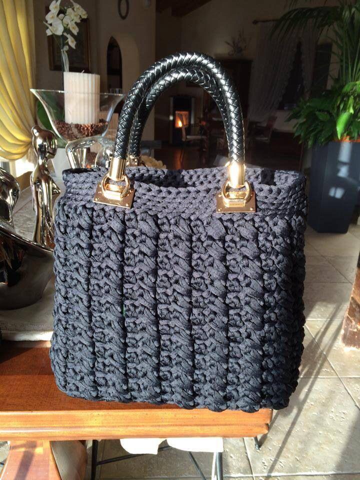 Bolso de trapillo crochet bags pinterest crocheted for Bolso crochet trapillo