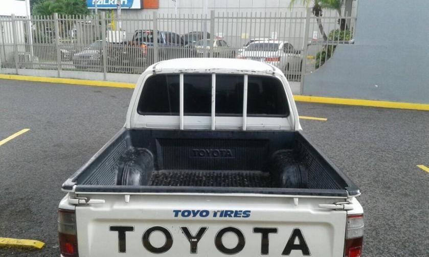 Toyota Hilux Doble Cabina De Agencia Toyota Hilux Toyota Carros En Venta