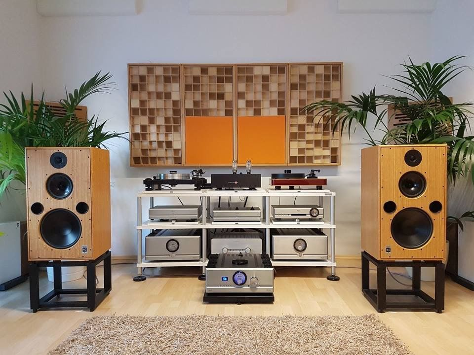 Harbeth Monitor 40 1 Driven By Pass Labs Electronics Audio Room Audiophile Listening Room Listening Room