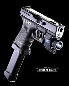 Glock 19C w/ Insight X2 Laser/Flash Light & 33 Rnd  Magazine by