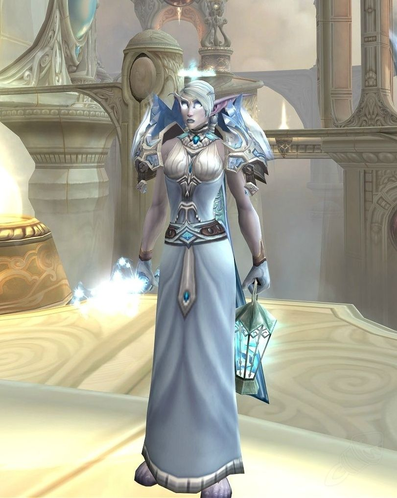 """This blue cloth armor of item level 58 goes in the """"Chest"""