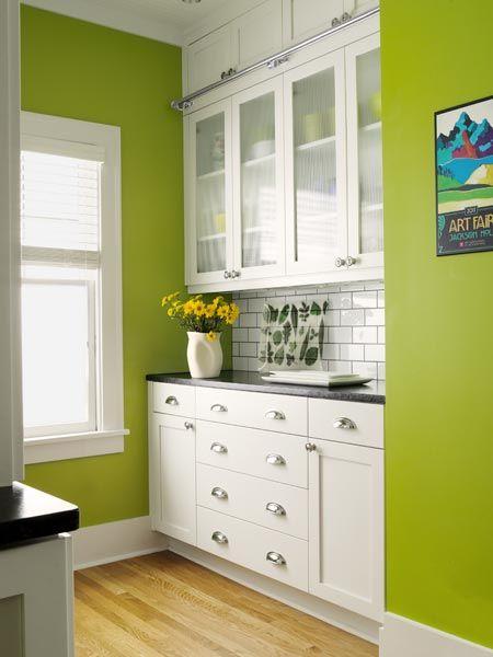 A Busted Open Brightened Up Kitchen Green Kitchen Walls Kitchen Interior Kitchen Design