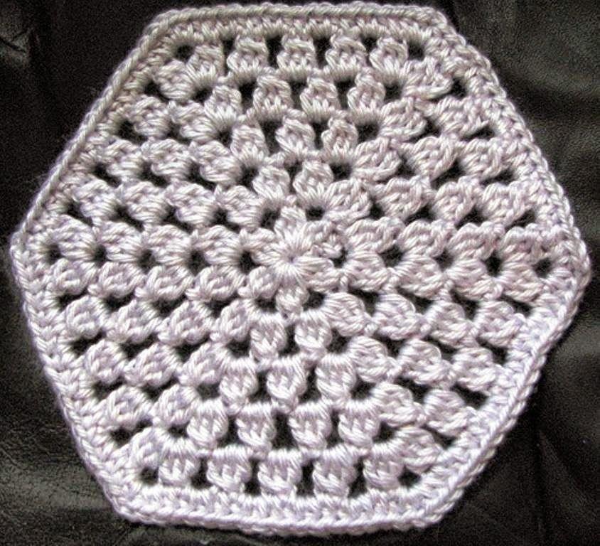Cubrecama tejido al crochet - con patrón | grammys | Pinterest ...