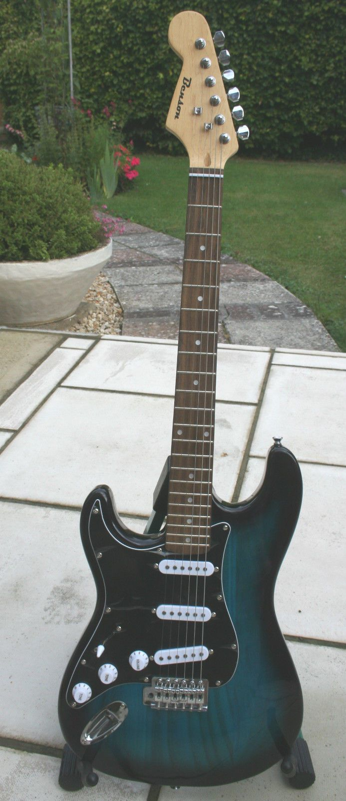 Pin On Left Handed Guitars