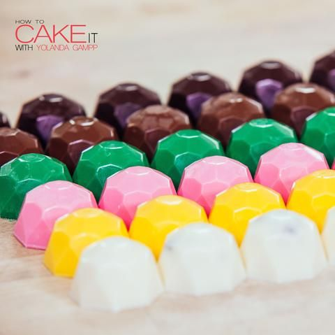 COLOURFUL SURPRISE CHOCOLATE GEMS!