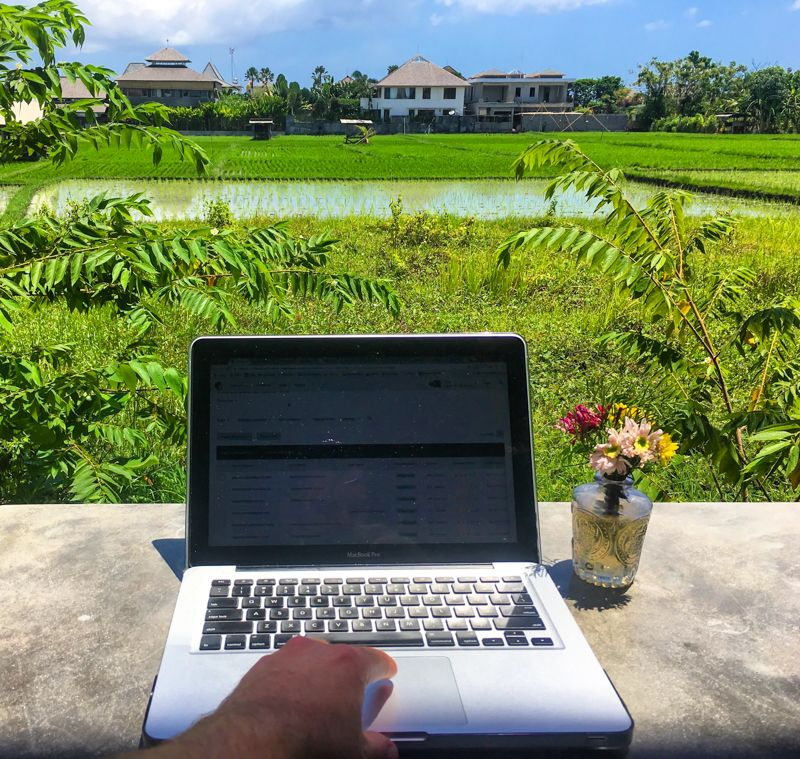 Remote Work The Ultimate Guide To Working Remotely 都市景観 都市 景観