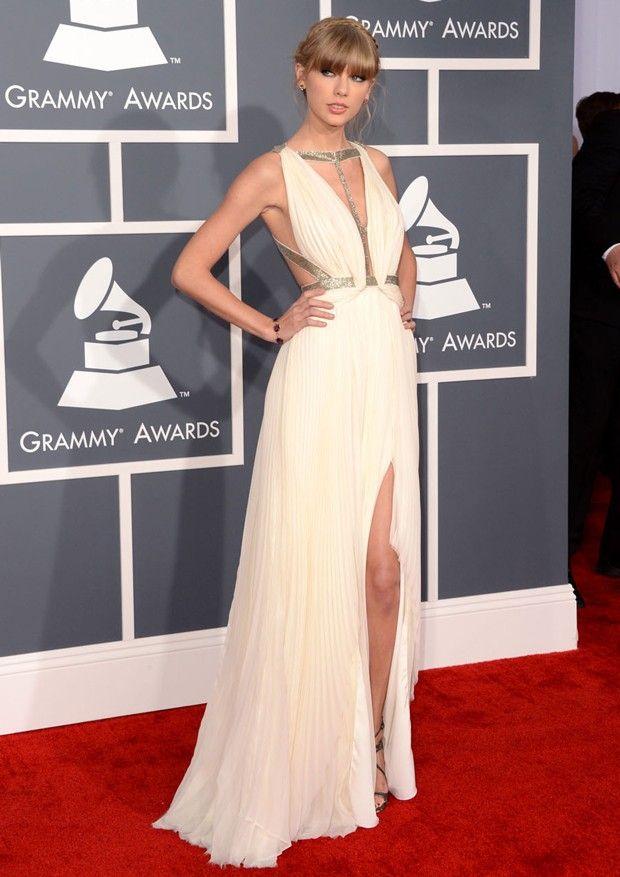 2f8432ec7b Top 5 looks do red carpet  Taylor Swift