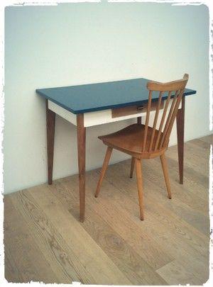 Table bureau vintage pieds compas revisit petits for Relooker bureau ecolier