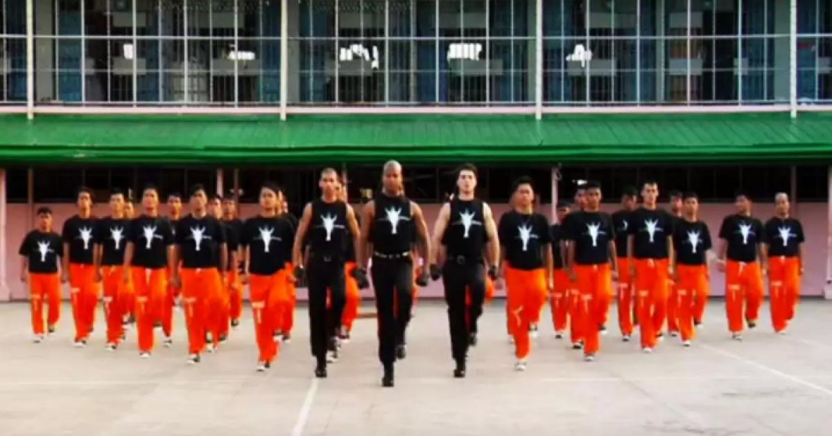 Bijzondere danstherapie voor Filipijnse gevangenen!
