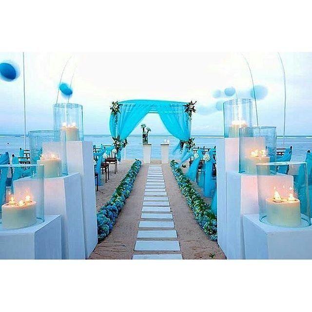 Setup inspiration via @thebride_pics #coloronfleek #outdoorwedding #destination #weddingonfleek #instapic #instagram #picoftheday