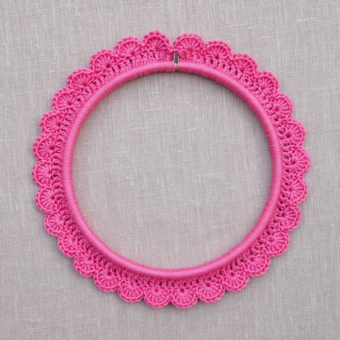 Crochet around an Embroidery Hoop | Crafts for K | Pinterest ...