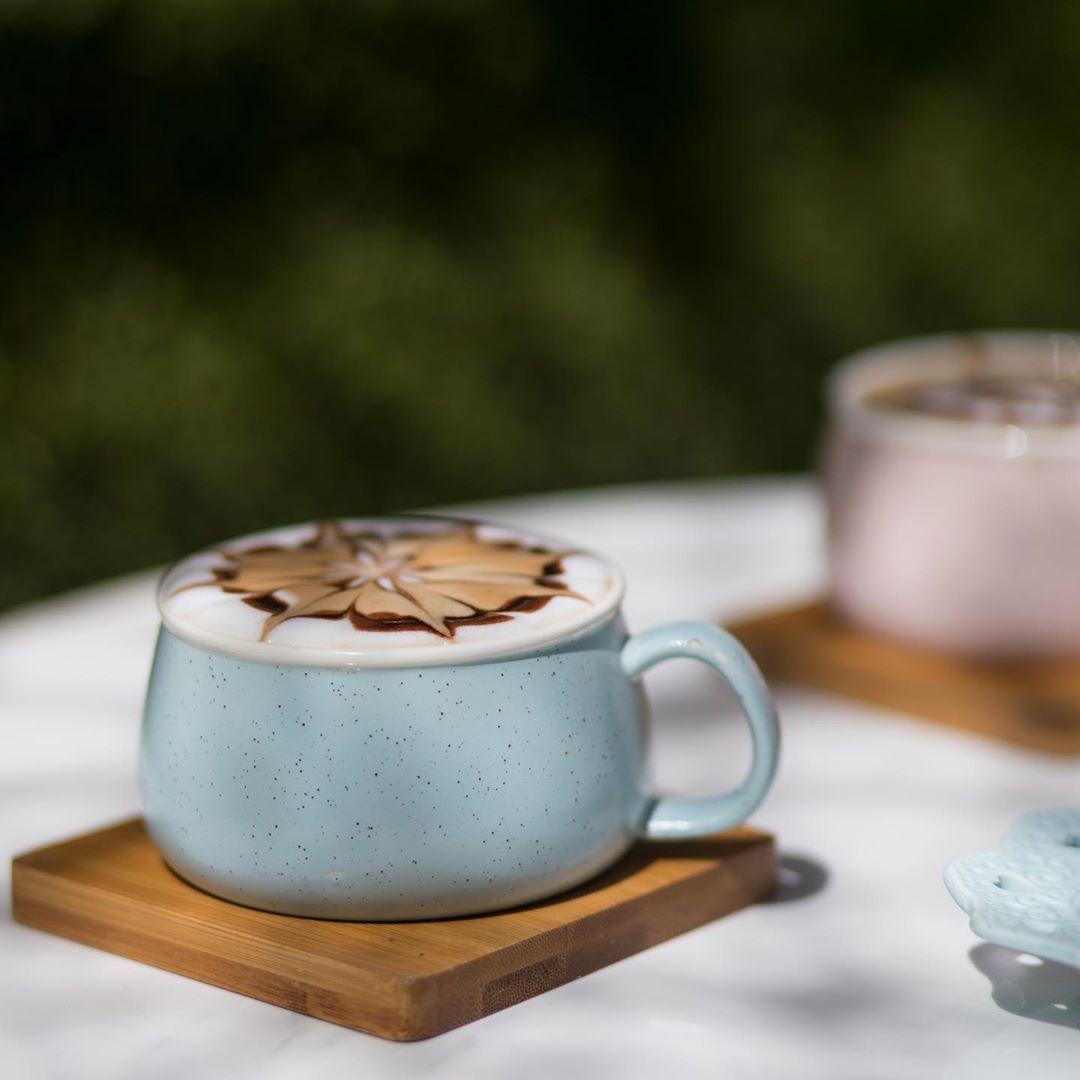 أرورا كافيه On Instagram والغرق في الـ قهوة حب وحياة قهوه كفيات كفيات الرياض أرورا كافيه الرياض Tableware Glassware