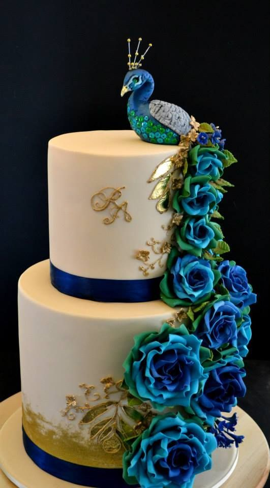 picture of beautiful wedding cakes peacock as an inspiration for cake decoration peacocks 18355