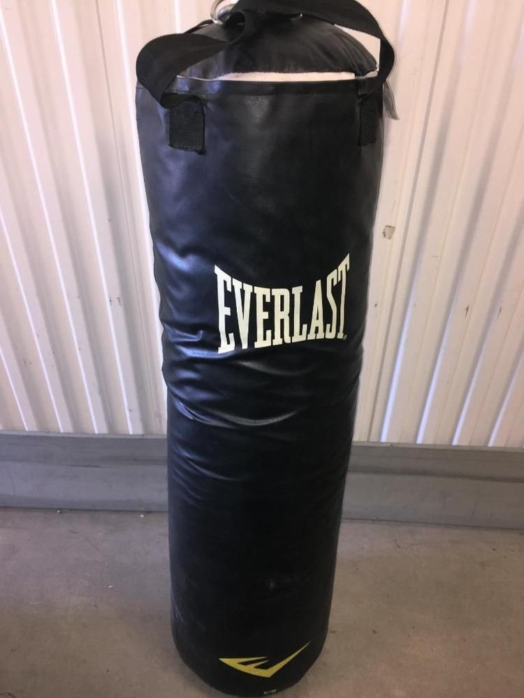 Everlast Punching Bag Mma Kick Boxing 100 Lb Faux Leather Local Pickup Only Everlast Everlast Punching Bag Kickboxing
