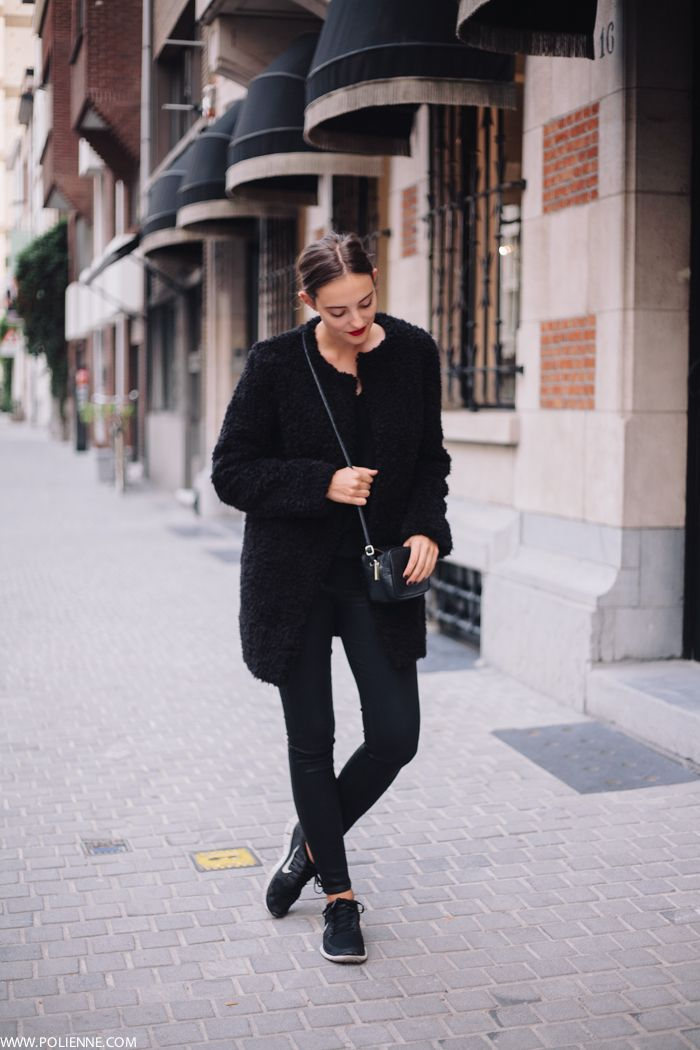 all black everythang. Antwerp. #Polienne - Discover Sojasun Italian Facebook, Pinterest and Instagram Pages!