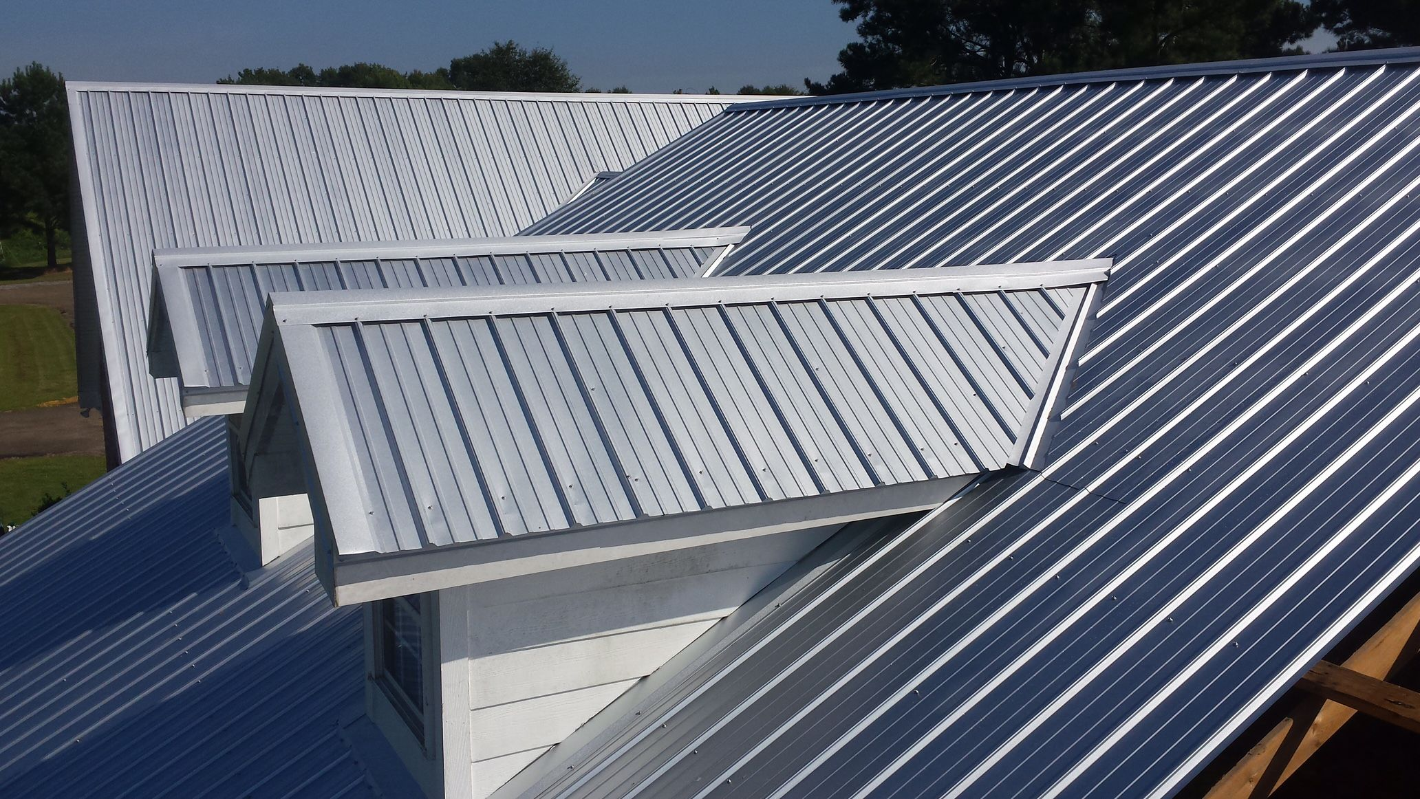 The 5 Major Benefits Of Metal Roofing Residential Metal Roofing Metal Roof Roof Installation