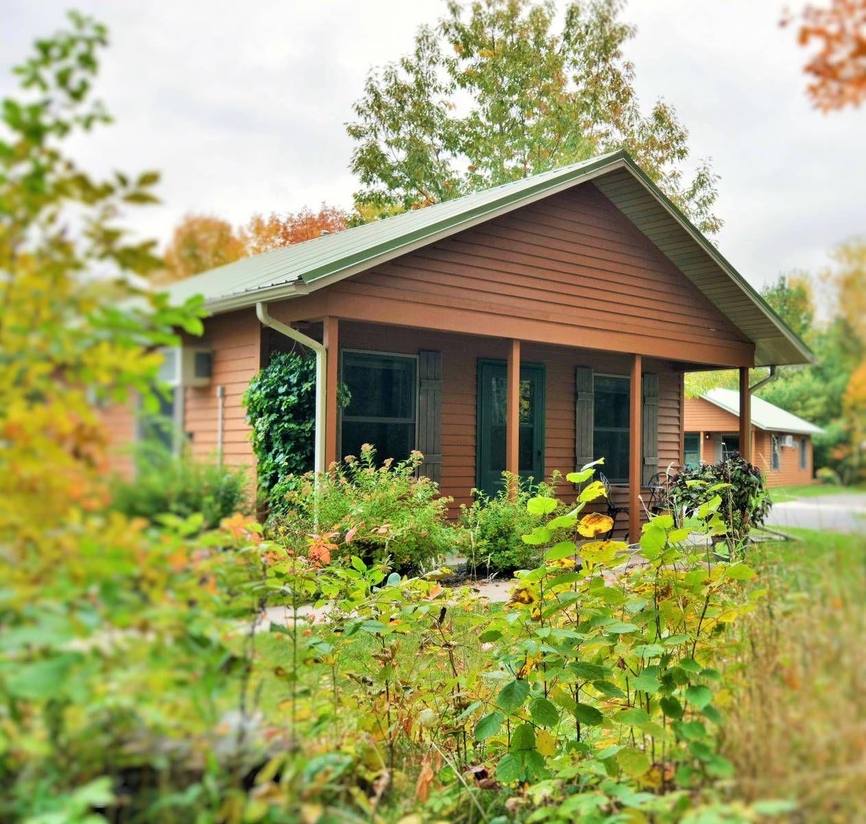 Bayfield wisconsin lodging lake superior cottage