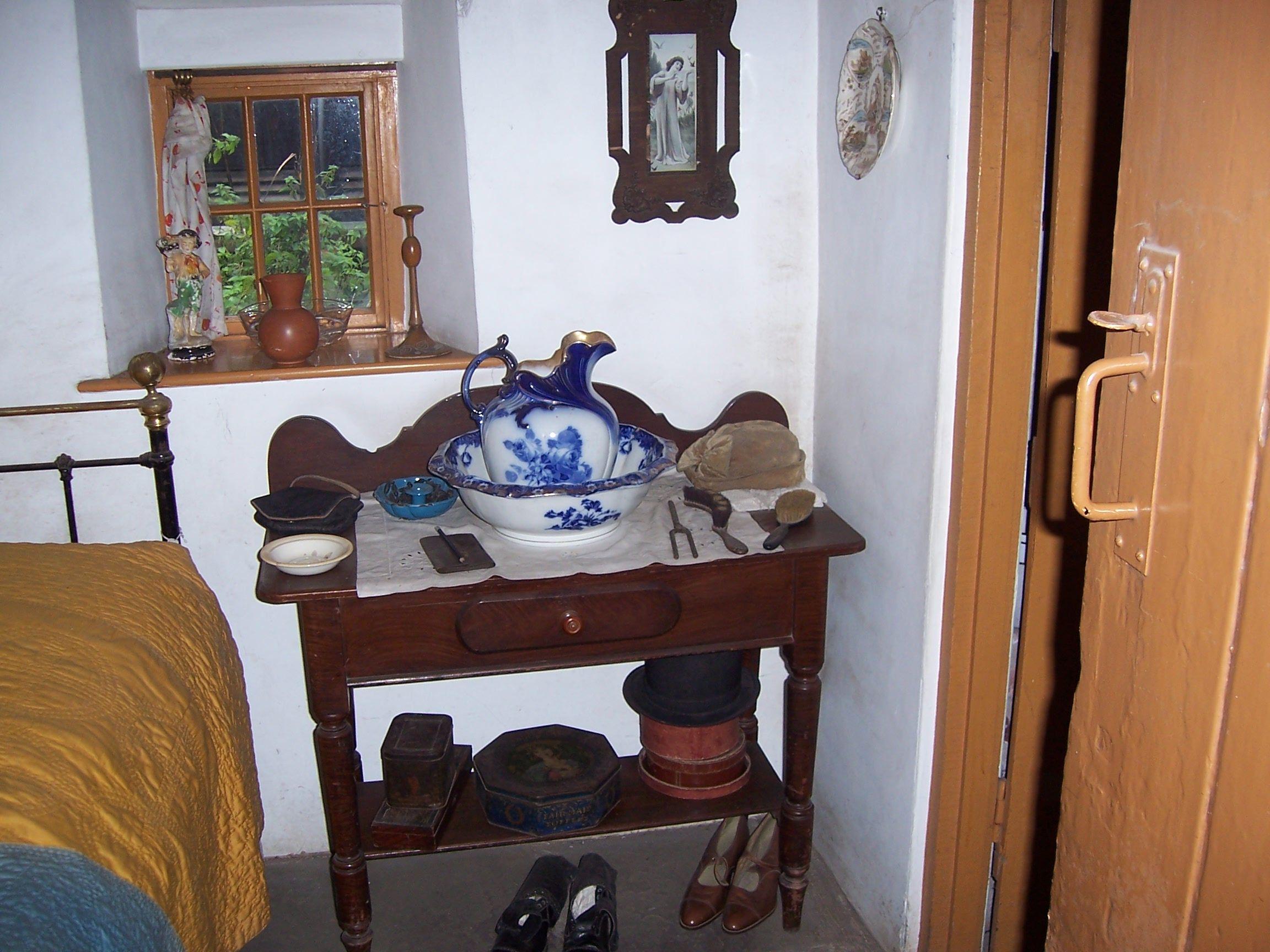 1925 bedroom in cottage at st fagan s museum bedroom ideas rh pinterest com  1925 bedroom