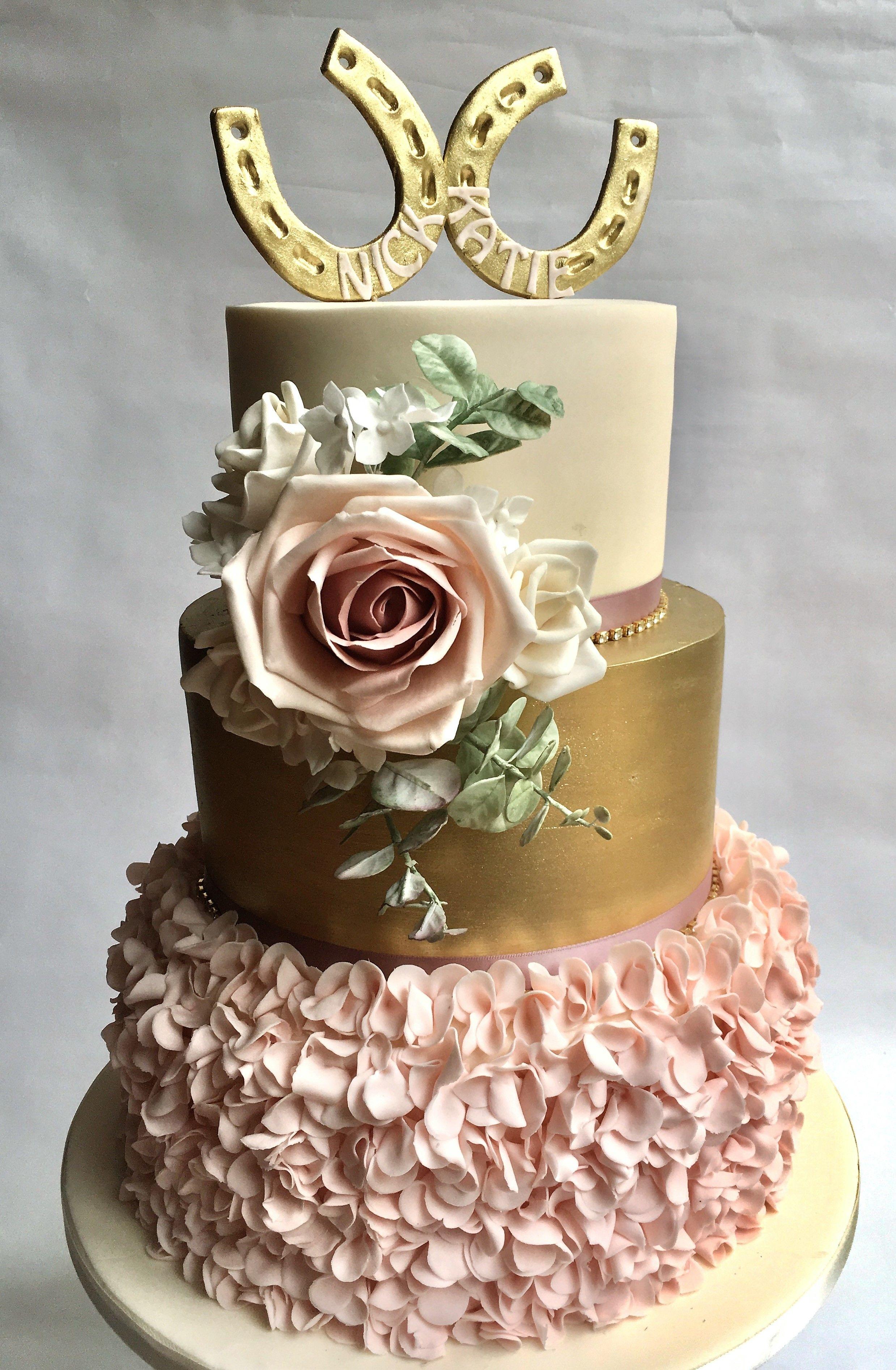 Iced Innovations Unique Horse Themed Wedding Cake Weddingcake