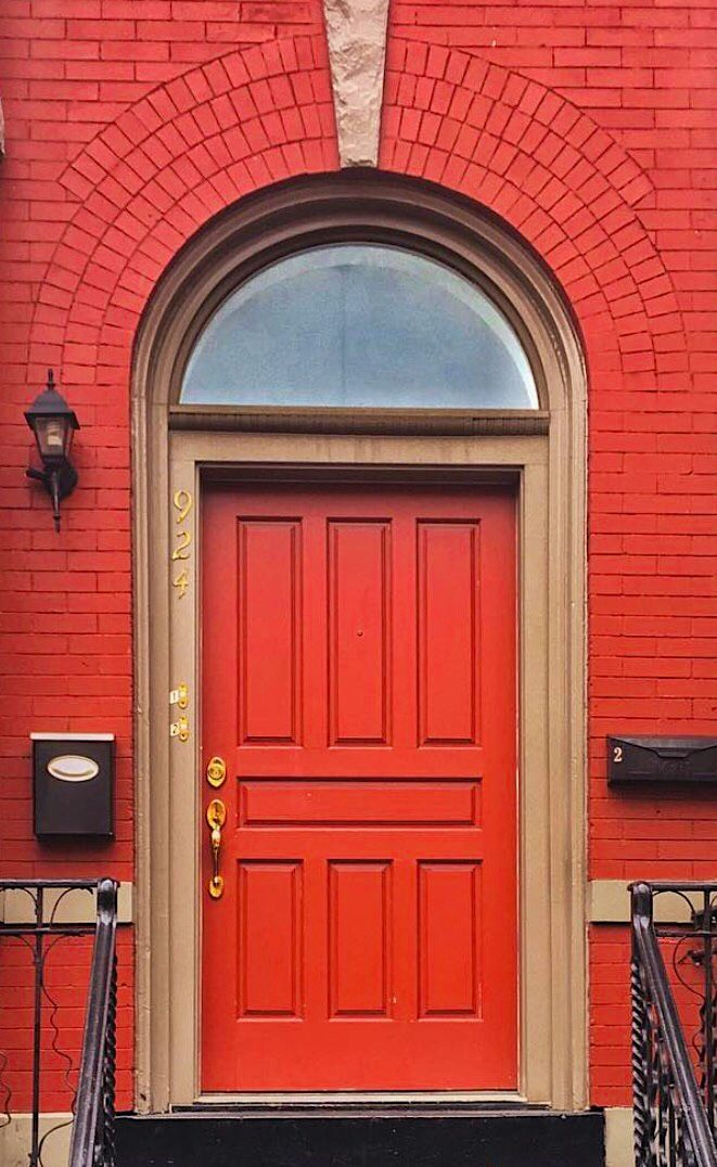Red door with red brick surround in Washington D.C. & Red door with red brick surround in Washington D.C. | ! "|661|1076|?|e5d1339ece465d683e6e9553cee7d817|True|False|UNSURE|0.3742912709712982