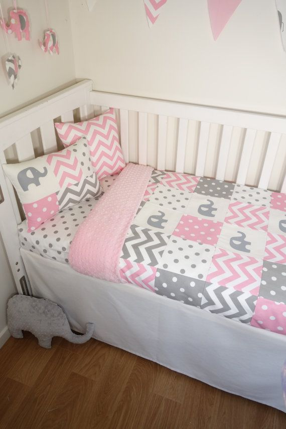 patchwork quilt nursery set pink and grey elephants pink with white spot quilt backing. Black Bedroom Furniture Sets. Home Design Ideas