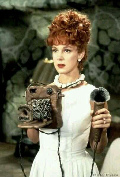 Elizabeth Perkins As Wilma Flintstone In The Flintstones