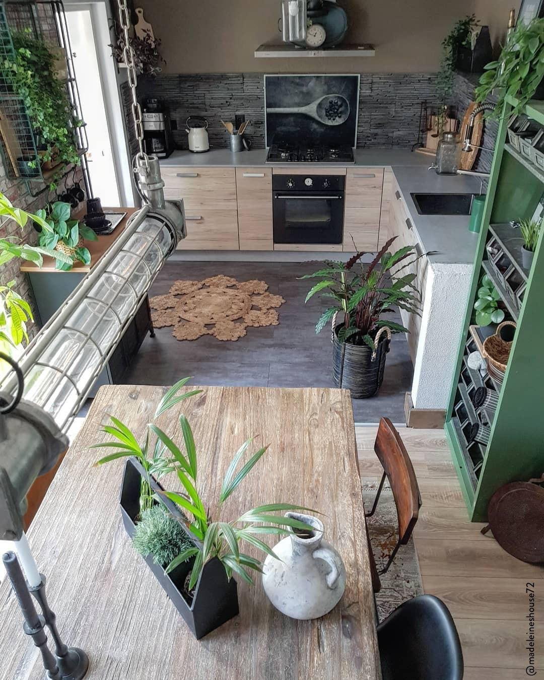 Deco Nature Salon plantes et tapis boho dans la cuisine: super tendance! un